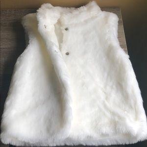 White fur vest for toddler size 5T pretty!